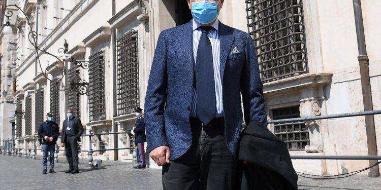 """""""Vaccino strumento efficace ed effetti sperati dai monoclonali"""""""