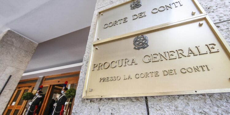 Corte conti condanna ex direttore Agendia demanio Fvg
