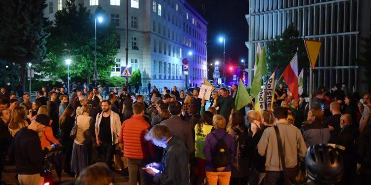 I media locali saranno controllati solo da polacchi. Proteste
