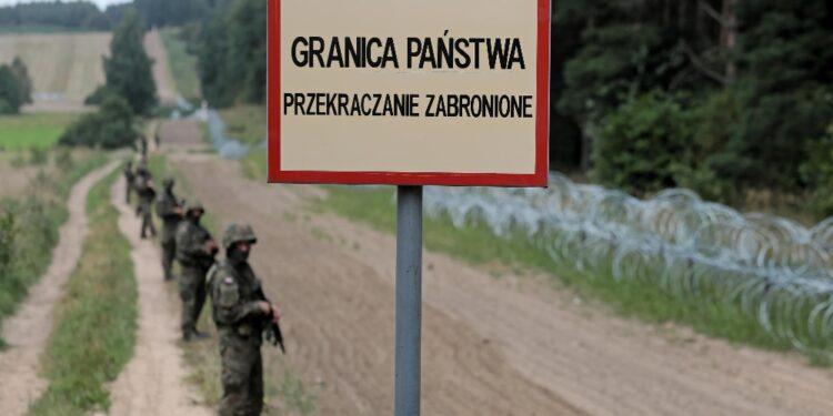 Su modello della recinzione ungherese