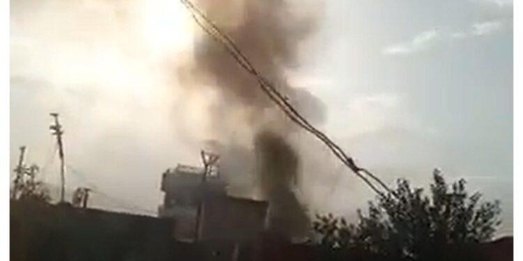 Nella deflagrazione 'sono stati distrutti anche due veicoli'