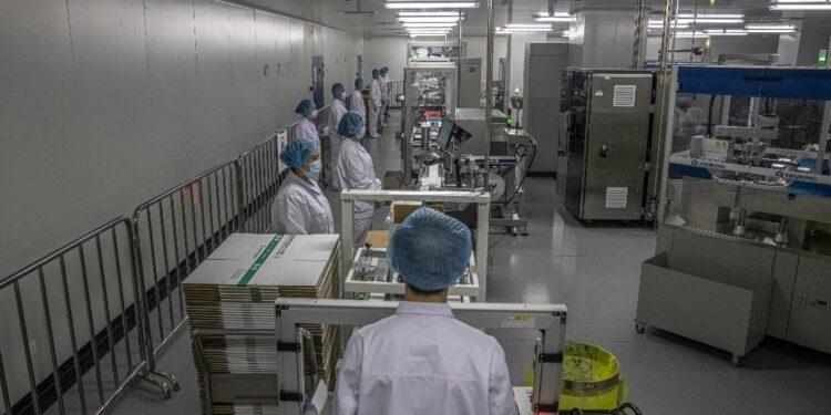 Pechino donerà anche 100 milioni di dollari al programma Covax
