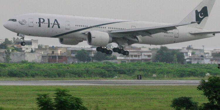 Un Airbus A320 della pachistana PIA decollerà da Islamabad