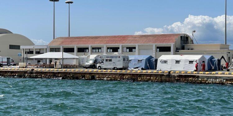 Approdo intorno alle 15 in porto a Cagliari