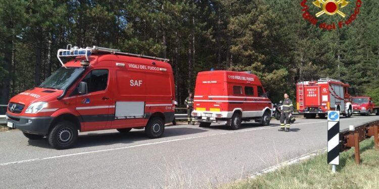 Squadra di pompieri nota corpo della 31enne vicino alla riva
