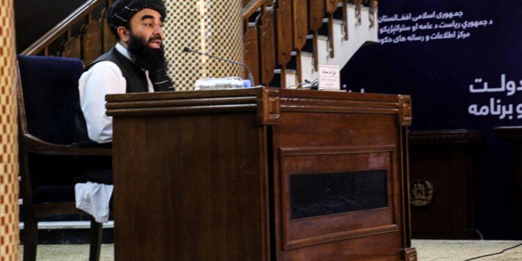 Vice Talebani riappare in video: 'Stiamo meglio che in famiglia'