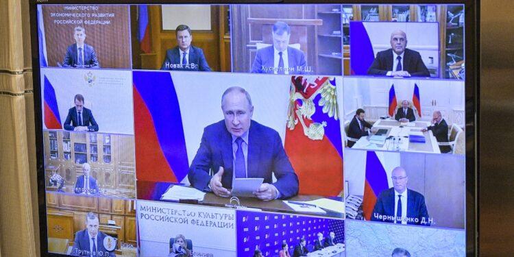Il presidente russo è in autoisolamento