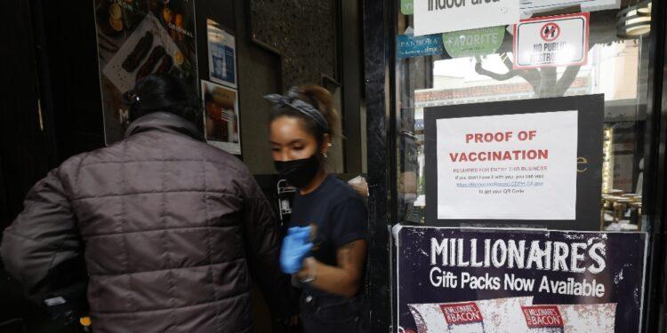 Più decessi negli stati del Sud con basso tasso di vaccinazione