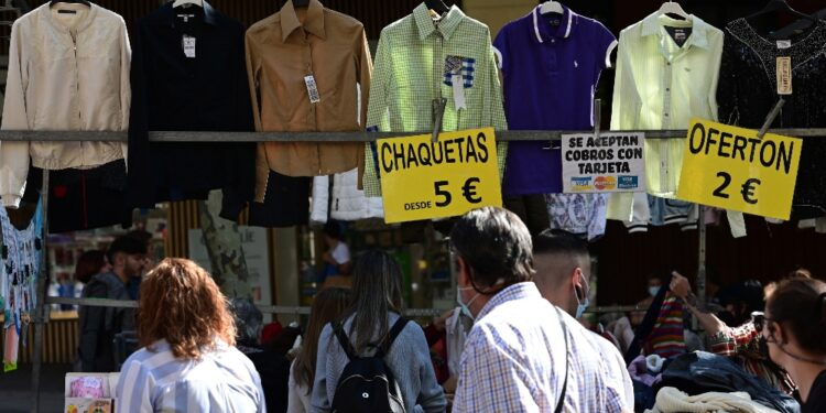 La presidente di Madrid: 'A un passo dalla vita pre-pandemia'