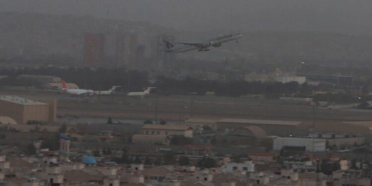 Aereo della Qatar per Doha con 200 persone. Domani secondo volo