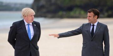 Su richiesta del premier britannico dopo crisi dei sottomarini