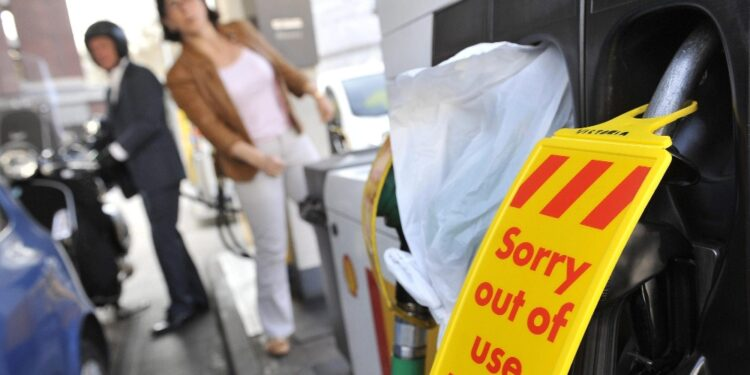 Permessi agevolati a 5mila autisti dopo maxi-code per benzina