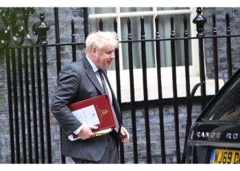 Tory invitati a prepararsi. Premier rinnova pure sottosegretari