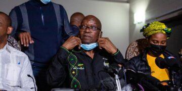 A ex presidente 15 mesi di carcere da luglio per oltraggio corte