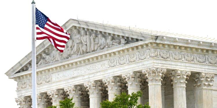Non si pronuncia su costituzionalità