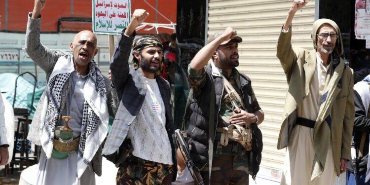 Tra ribelli Houthi e soldati filo-governativi