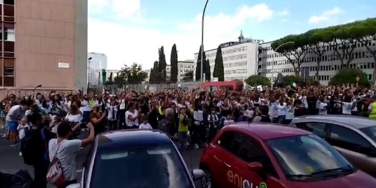 Flash Mob a Roma sulle note dei Pink Floyd
