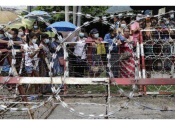 Erano stati arrestati per aver partecipato a proteste anti-golpe