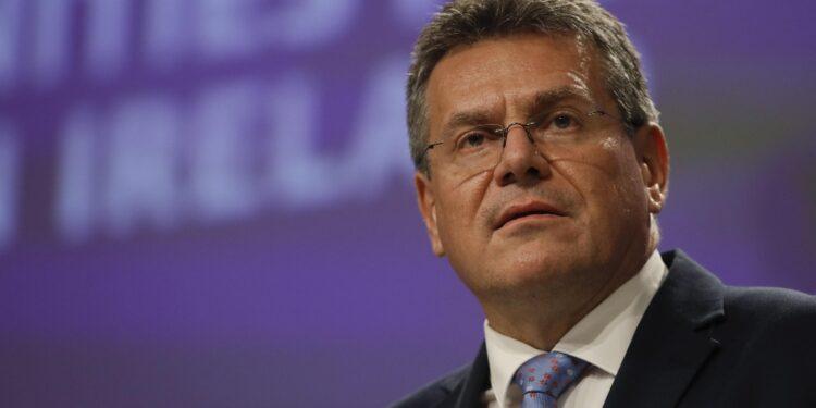 Commissione europea presenta pacchetto per mediazione con Londra