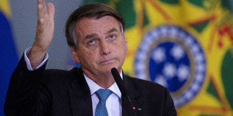 Leader brasiliano condanna restrizioni imposte durante pandemia