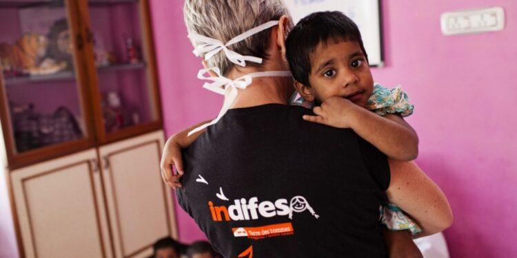 1.260 bambine e 1.117 bambini.Rapporto Indifesa Terre des Hommes