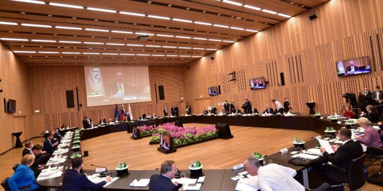 Stiamo in Nato ma serve documento Commissione su politica estera