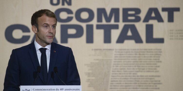 Annuncio di Macron per i 40 anni della cancellazione in Francia
