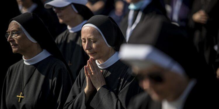 La denuncia sull'Osservatore Romano