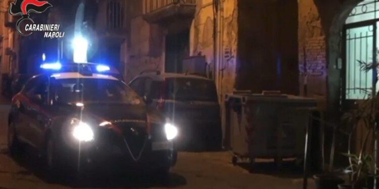 Colpi di pistola nella notte in strada mentre era con compagna