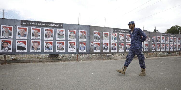 Coalizione a guida saudita: 'Distrutti 8 veicoli militari'