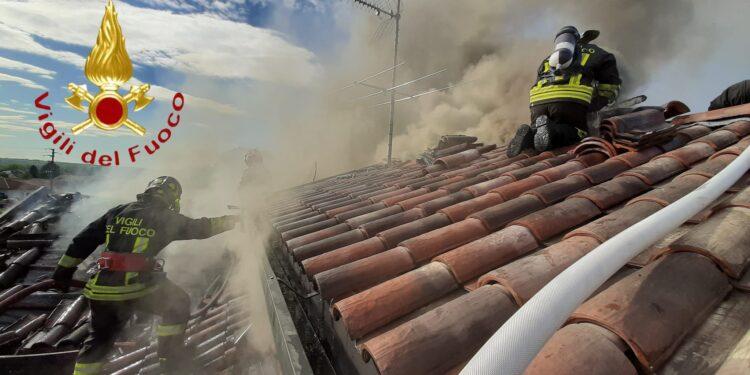 Incendio tetto Lurago